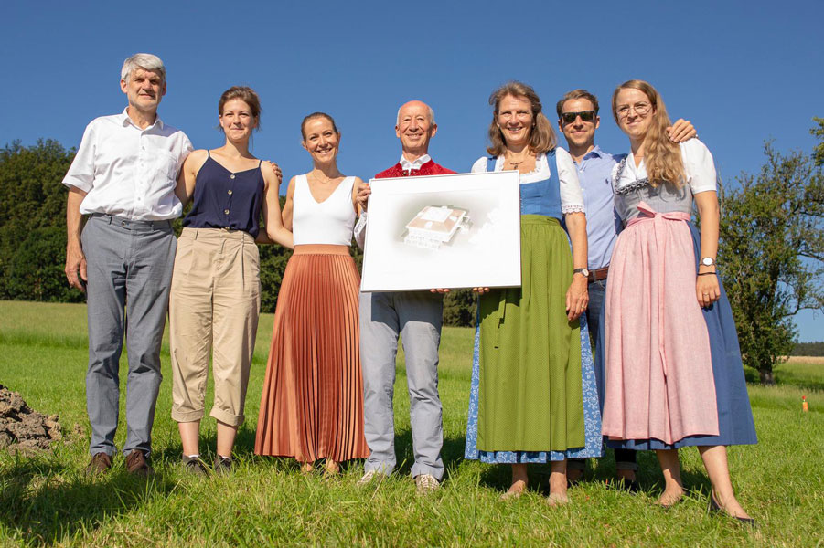 Foundation Stone Laying Ceremony – From left: Architect Herbert Schrattenecker and his daughter Sophie Schrattenecker; Dr med Valeria Schachinger; Dr Wolfgang Schachinger, Clinic Director; Mrs. Gerda Schachinger, CEO MAP Austria;  Alexander Schachinger; Jana Schachinger, Controller & Marketing Manager, MAP Austria.