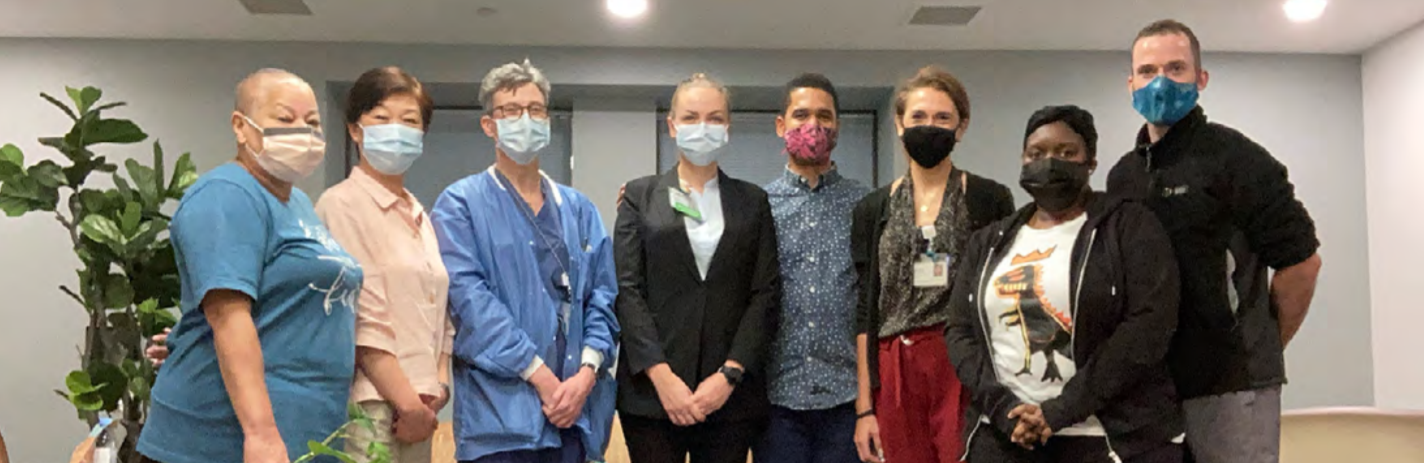 Group photo of doctors and nurses in mask
